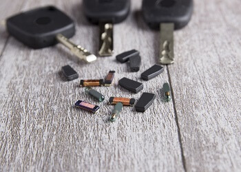 Chip or Transponder Key Recoding, Replacement with DC Local Locksmith The Palisades Experts