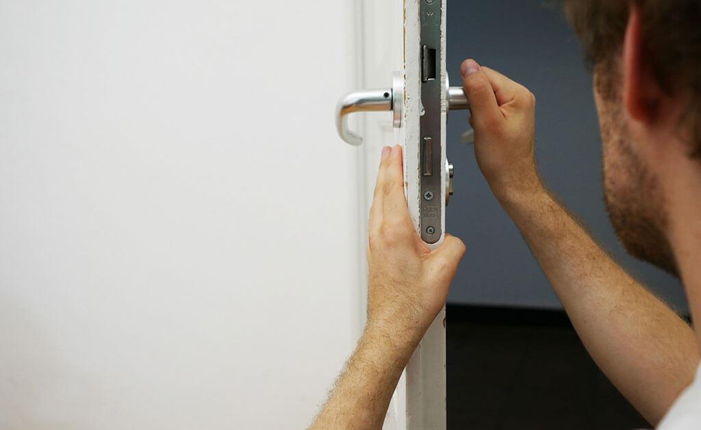 How-to-Find-a-Locksmith-in-DC-DC-local-locksmith-KLS.jpg2