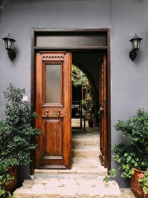 Best Places To Get a Commercial Door Repair in DC